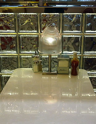 eds-diner-glass-block-wall_f03.jpg